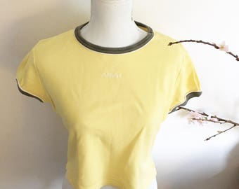 Short yellow green t-shirt- S.Oliver t-shirt top- top for her- sport wear- vintage tee- gift for walker- pastel colored shirt- olive green