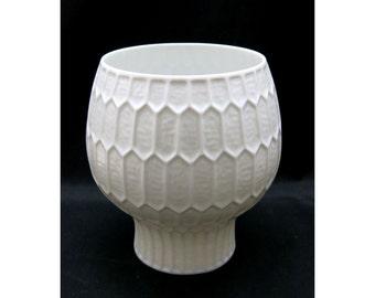 Vintage honeycomb pattern vase  // Design Sundermann 70s // Fürstenberg Germany