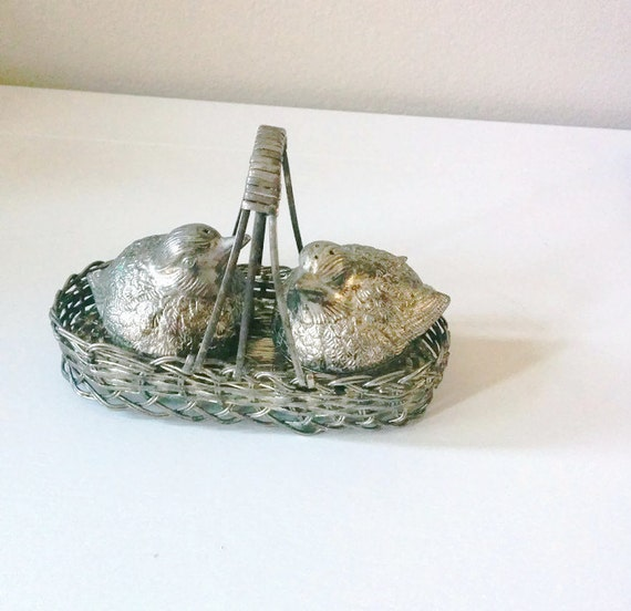Silver Plated Bird Salt And Pepper Shakers In Basket Vintage