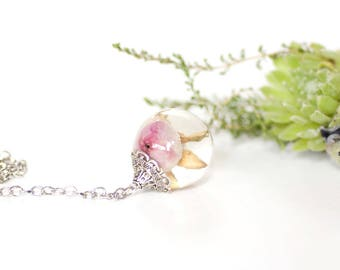 Real rose necklace - Pink rose pendant - Resin pendant - Botanical jewelry - Dried rose necklace - Dried rose jewelry - Floral jewelry resin