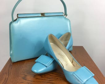 Vintage 1960's Matching Tiffany Blue/Baby Blue Patent Leather Naturalizer Shoes Size 7.5 and Matching Handbag Set
