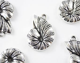 Silver Sea shell Charm, Nautilus Pendant - 6 pieces (174S)