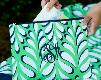 Island Palm Zip Pouch, Prefect Gift, Personalized Gifts, Classy and Chic, adorable On the go instyle!!!