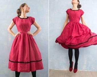 Vintage 1950  red prom garden party  knee length dress/  short sleeve  black flower embroidery trim  tafetta  flare dress/S