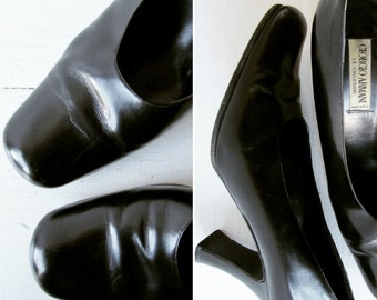 Giorgio Armani Pumps   vintage shoes   vintage pumps   vintage heels   1980s - 1990s pumps   1990s pumps   size 9.5 US   The Armani Pumps
