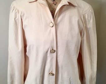 Vintage 1980s Cream Off White Textured Reptile Print Jacket by Da Rue of California Size 6 Button Up Printed Long Sleeve Lightweight Jacket