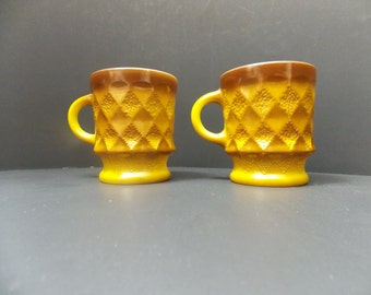 Gold and brown coffee mugs Kimberly design cups by Anchor Hocking harvest gold and brown diamond pattern