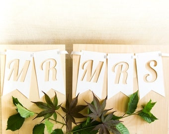 Mr Mrs Chair Signs, Mr Mrs Sign, Wedding Signs, Newlywed Sign, Wedding Photo Prop, Mr Mrs Banner, Mr And Mrs Sign, Sweetheart Table Sign