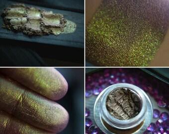 Eyeshadow: Amethyst Miner - Mountain Thorp. Green satin eyeshadow by SIGIL inspired.
