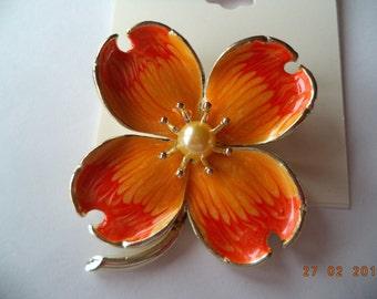 Vintage Unsigned Peach Enamel Faux Pearl Flower Brooch/Pin