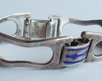 Beautiful vintage designer sterling silver and enamel bracelet