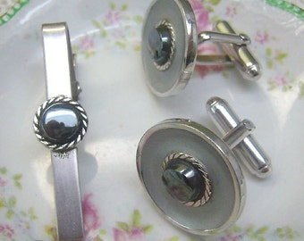 Summer Sale...Vintage Silver Black Diamond Cufflinks...FREE Matching Tie Bar...Brushed Silver...Mens Accessories