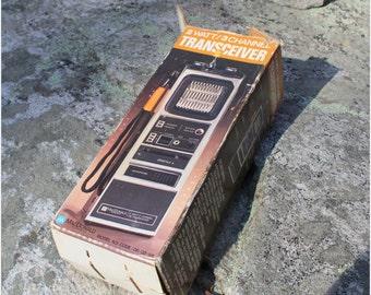 Vintage MacDonald 2 Watt/3 Channel Transceiver Radio like New in Original Box