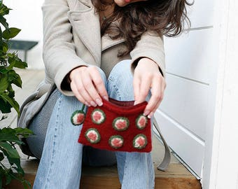 Sushi Three-In-One Wallet Knitting Pattern