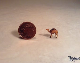 Wooden miniature dromedary