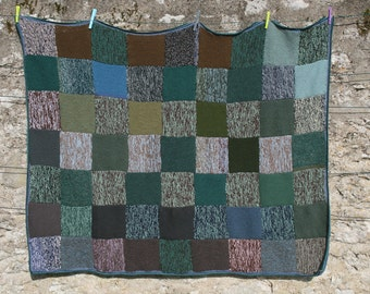 Sedum : New afghan, made with knitted squares, thick and warm, crocheted edge all around