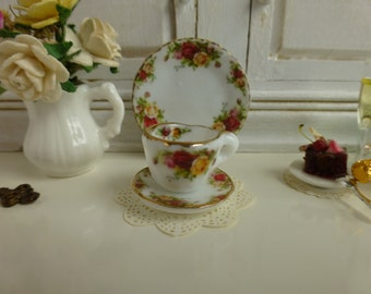 Old Country Roses Dollhouse Miniature Teacup and Saucer
