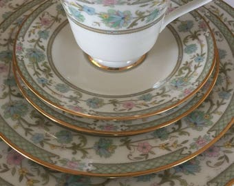 Noritake 7194 complete 5 piece dinner set