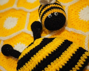 Crochet Bee baby blanket and hat
