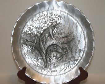 Fox, Fox Plate, Natale Hammered Aluminium Plate, Fox Decorative Plate, Aluminum Fox, Fox 1982 Plate, Momma Fox and Babies, Vintage Natale