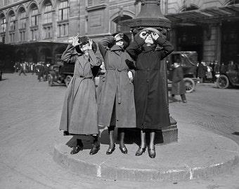 Paris, France, 1920's, Parisian Women watching the solar eclipse, 1921