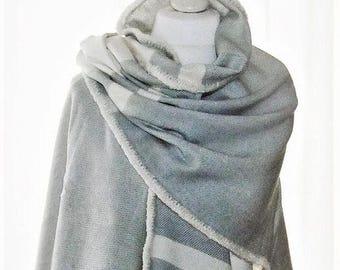 Cape sleeve poncho grey cream white with fringes