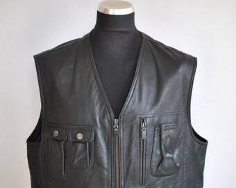 Vintage ITALLO MEN'S LEATHER vest , front pocket leather vest............(079)