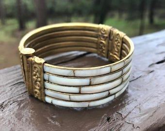 Vintage Mother of Pearl Bracelet, Goldtone Vintage Bracelet
