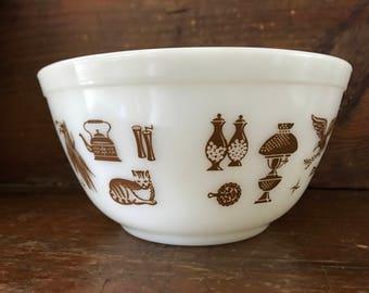 Vintage1 1/2 quart Pyrex bowl, Early American pattern