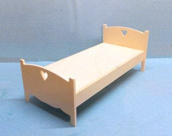 Nice wooden BED for BJD dolls BARBIE Fashion Royalty Blythe Pullip Monster High dolls diorama dollhouse furniture 1:6