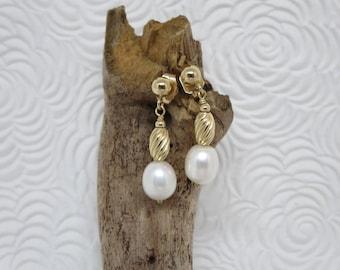PEARLS AND GOLD, Earrings, 10K, Jewelery, Stud earrings, Earrings for her, Pearls, Bridal earrings, Jewelry for women, June birthstone