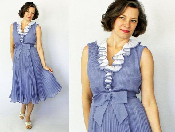 """1960s Dress / 60s Dress / Dance Dress / Ruffled Dress / Pleated Dress / 60s Day Dress / 1960s Day Dress / Blue Dress / Size 2 / Waist 24"""""""