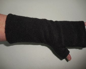 Black BOUCLE Fleece Gauntlet Fingerless Gloves, partially covered thumb, 9 1/2 inches long, ONE PAIR, driving, outdoor warmth, zigzag hems