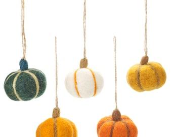 Pumpkins bag of 5- Halloween - Autumnal - Felt Garland - Felted decorations - Autumn decoration - Wool Decoration- Halloween-Handmade