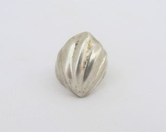 Vintage Modernist Sterling Silver Seashell Ring Size 7