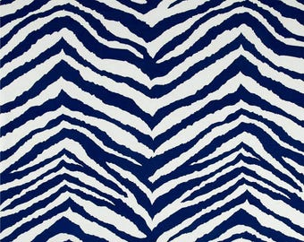 Terrasol Indoor/Outdoor Zebra Navy and White Pillow Cover with Hidden Zipper