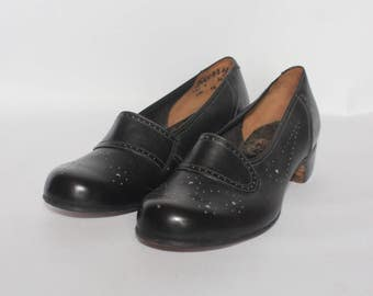 1940's or 1950's Black Leather Skerry Shoes UK 4 or 4.5