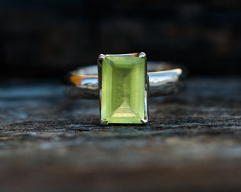 Prehnite Ring size 9 - Prehnite Ring - Prehnite Ring size 9 - Stunning Prehnite Ring - Natural Prehnite Ring - Prehnite