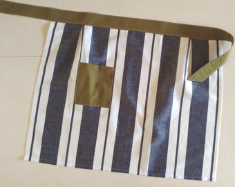 Striped Linen Apron with Green Pocket and Wasitband / Women's Apron / Kitchen / Hostess