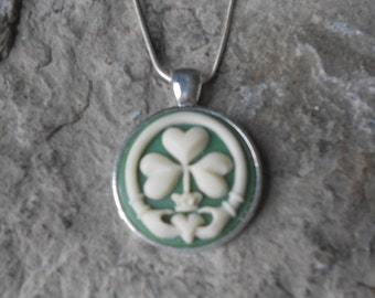 """Irish Claddagh Shamrock Cameo Pendant Necklace - .925 plated 22"""" Chain - Great Quality, Clover, Green"""