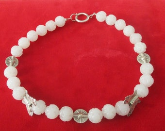Vintage White Peking Glass Bead & Silver Bead Choker/Necklace