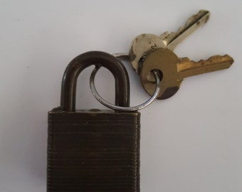 Vintage Master Lock Co No.8 U.S.N. with 2 keys one a Walking Lion, great patina