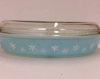 FREE SHIPPING Pyrex JAJ Duck Egg Blue Divided Dish with Lid