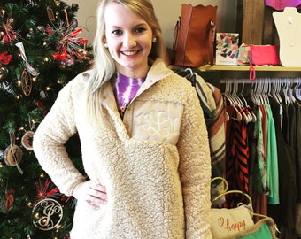 Sherpa fleece Pullover with Monogram