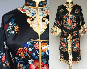 Prestige Antique 1920s Black Chinese Satin Silk Hand Embroidered robe colorful flower embroidery vintage Asian Kimono Satin Coat S XS