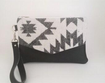 Aztec Wristlet, Vegan Leather Trim Wristlet, Small Purse, Aztec Purse, iPhone 6 Wristlet, Vegan Leather Bag, Gift for Her, Neutral Wristlet