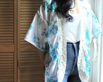Handmade. kimono. Silk. Blue/white. Flowers. Crochet/lace. Goregous. Summer!