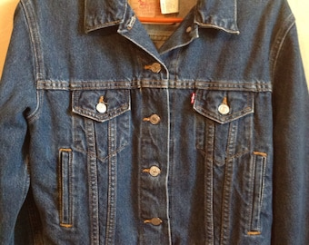 vintage levis jean jacket/womens worn in levi's jean jacket small