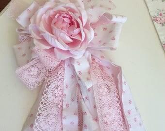Pink Tassel w/ R A Petite Rose Fabric