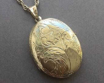 Vintage Sterling Silver Large Engraved Locket
